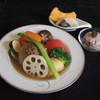 リナジェムス - 料理写真:玉ねぎを丸ごと使った秋バージョンのポトフです。一つ一つのお野菜の味ををたっぷりとお楽しみください。
