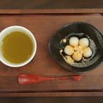 喫茶フェリーチェ - 熊本産白玉に和三盆糖蜜、きなこをトッピング。280円(税込)