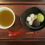 喫茶フェリーチェ - 熊本産白玉に餡子と抹茶又はバニラアイスをトッピング。デザートとしてお召し上がり下さい