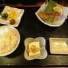 関所 - 料理写真:いなだ刺身とそば680円
