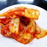 豊華 - 定食のキムチ