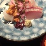 雲海 - 【春の祝い会席】刺身 祝い魚三種盛り 紅白立ち剣。