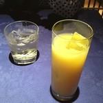 やすらぎBAR 月天 - 蜂蜜梅酒とアナナスオレンジ