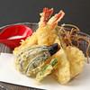 寿司処かぐら - 料理写真:天ぷら盛り合わせはエビ、白身、旬の野菜がたくさん入ってます。