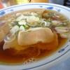 文ちゃんラーメン - 料理写真:四角い麩