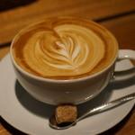 椿サロン - たっぷりカフェラテ