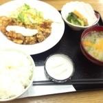 にじいろ食堂 - チキン南蛮定食