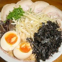 七代目哲麺  - 全部のせラーメン900円