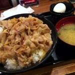 伝説のすた丼屋 - すた丼(飯増し)720円