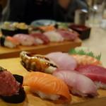 築地ビッグ寿司 - デカネタにぎり(7貫)