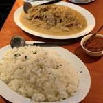 エコ ロロニョン - ライスとプレヤサ(若鶏のオニオン・マスタード・レモンソース)