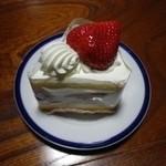 17782180 - あまおうのショートケーキ