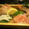 居酒屋 真 - 料理写真:お通し・お刺身