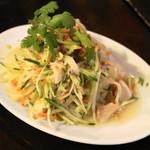 チョップスティックス - 青パパイヤと蒸し鶏のサラダ(630円)
