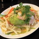 チョップスティックス - アボガドと海老のサラダ(630円)