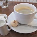 シェモア - 【プレートランチ・パスタランチ共通】コーヒー・紅茶・オレンジジュースから選択。お店の方のサービスもグー♪