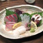 海鮮食道 十八番 - 刺身盛り合わせ(1500円)