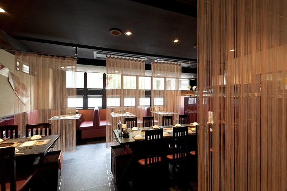 https://tabelog.ssl.k-img.com/restaurant/images/Rvw/17893/17893938.jpg