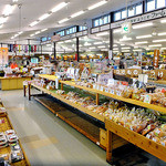 食の駅ぐんま - 総菜・弁当類・加工食品販売スペース