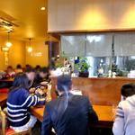 麺屋 一本気 - 昼時はほぼ満席です(2013年3月)