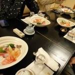 鮨芳 - 奥の座敷を使わせていただきました。(座敷はコースのみの注文、5千円から1千円単位)