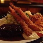 グリル&洋食 アガペ - Aランチ(海老フライ2尾、ハンバーグ、ナポリタン、サラダ、カップスープ、ライス)