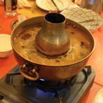 シリンゴル - ハロントガ(1人前2,100円)の鍋