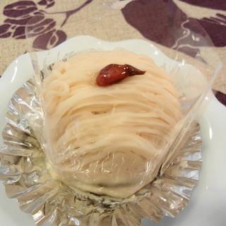 プチ - 料理写真:儚い感じの桜のモンブラン