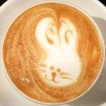18100177 - カフェセット 700円 のカフェラテ