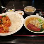 天一房 中華料理 - トマトと玉子丼+ミニラーメン