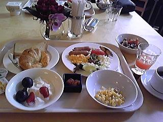 八百治博多ホテルレストラン ホーリーブルー