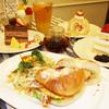 cafe The Plant Room - 料理写真:サラダと一緒にベーグルをお召し上がり下さい