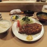 とんき - ロースかつ定食1600円