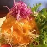 珈琲美人 文月 - セットのサラダ。シャキシャキで丁寧に細切りされたキャベツ。一気に野菜不足も解消!