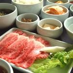 昌慶苑 - 料理写真:こんなお食事してみませんか?豪華「焼肉御膳」