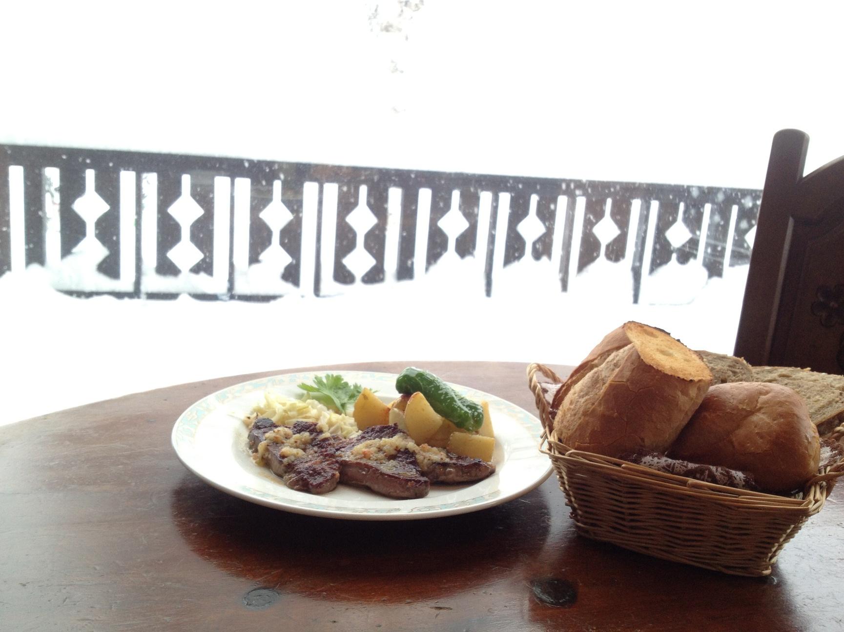 レストラン&カフェ シュネー