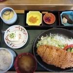 お食事処とりいち - チキンカツ定食¥950(13年4月)