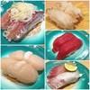 魚屋路 - 料理写真:アジ、活ホタテ、活つぶ貝、生まぐろ赤身、かんぱち…。 昼から回転寿司ランチ。 東京都町田