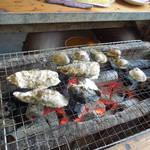 竹崎海産 - 炭焼きの風景