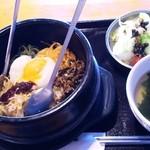 韓まる - 石焼ビビンバ(819円)※ランチ時はスープ+サラダ+ドリンク付き