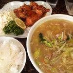 新華苑 - 料理写真:味噌ラーメン、ザンキの甘酢、小ライス。