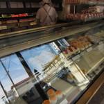 シュール洋菓子店 - ショーケース