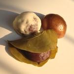 お菓子の岩崎 - 料理写真:お菓子3種