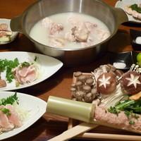 トリトリキッチン - 当店一番人気の水炊きコース 3日かけてのコラーゲンたっぷりスープで明日はもっと綺麗★☆★