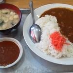 大沢食堂 - ランチの中辛カレーライス(\650)と一口極辛(\100)