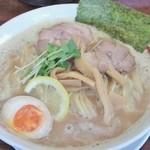 麺や ようか - 濃厚醤油らーめん(680円) +大盛り(20円)