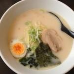 福龍亭 - 豚骨ラーメン