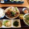 ドンナマンマ - 料理写真:豚汁と日替わりおかずたまごかけご飯定食(牛カルビ ニラもやし炒め)