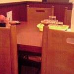 明華楼 - テーブル席