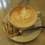 CAFFE ANTOLOGIA - カプチーノ